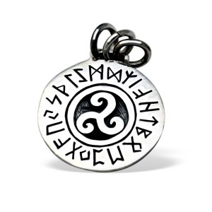200.120_Amulett_Runentriskel