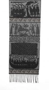 Wollschal mit Wikingermotiven